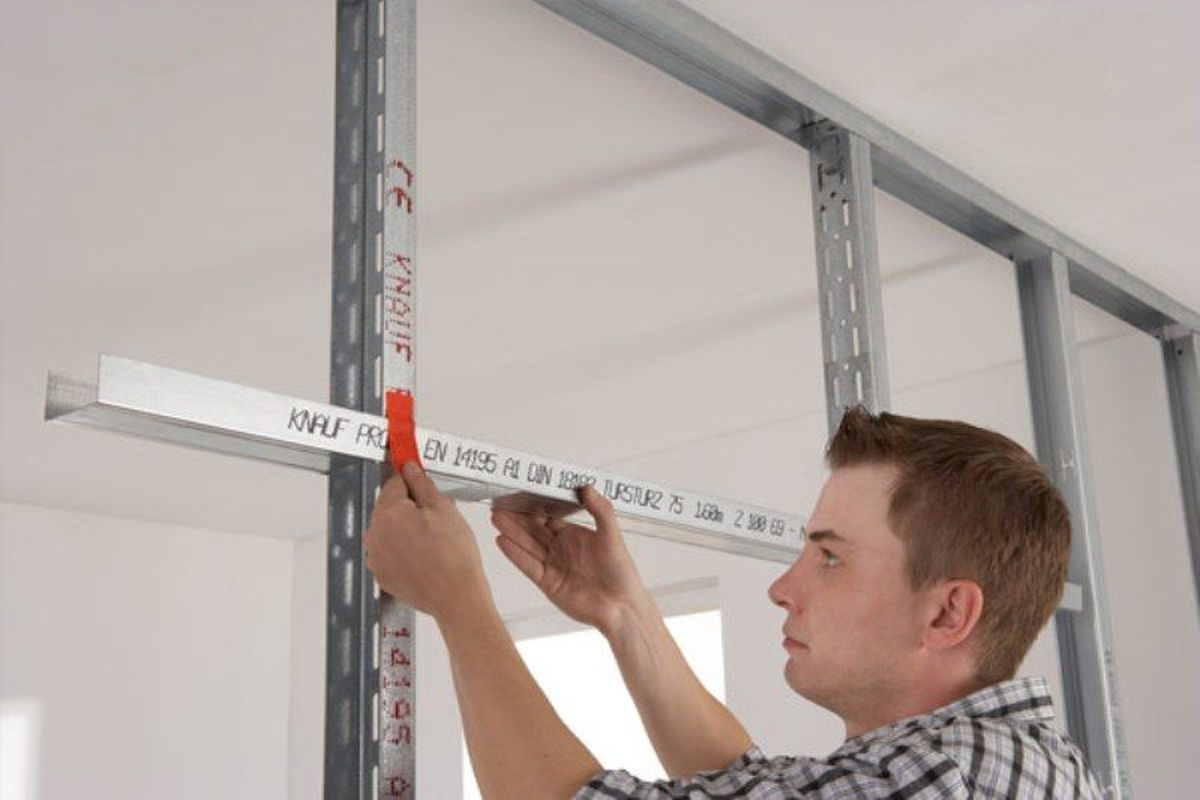 Installation of horizontal beams
