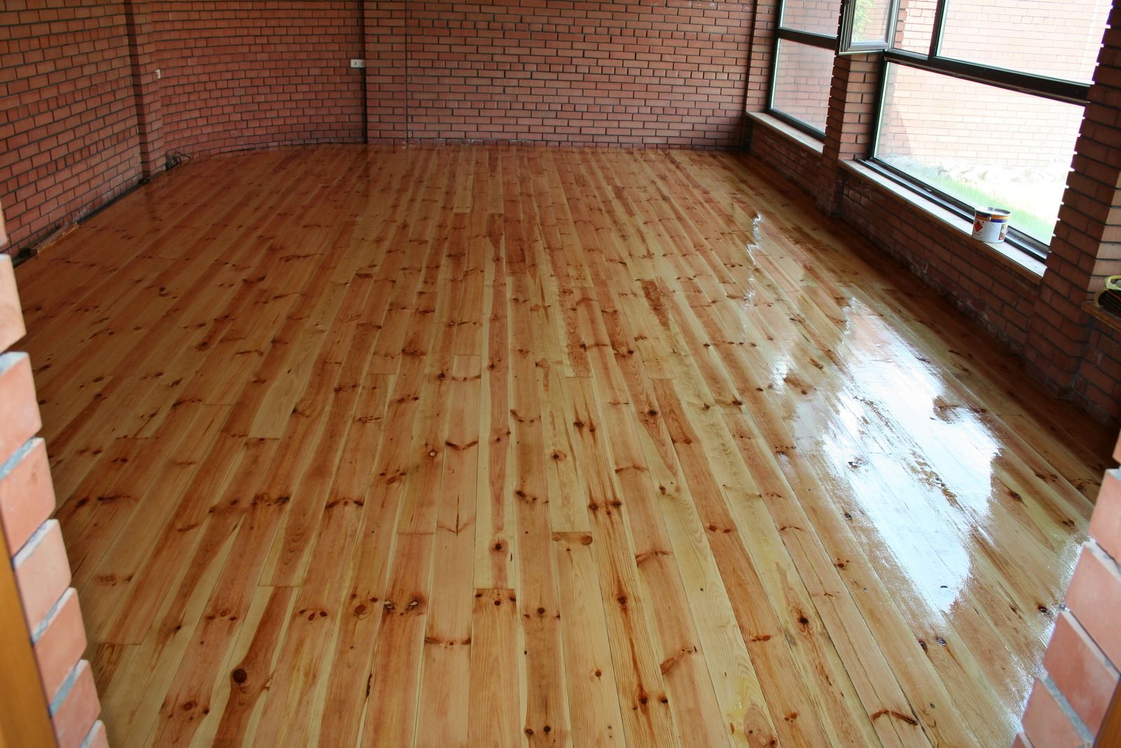 Wooden Floor Painting Or Varnishing