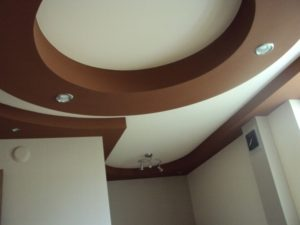 Figures from drywall for decorating the ceiling and walls
