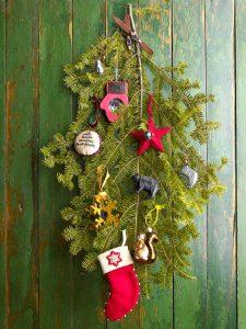 Create an artificial Christmas tree