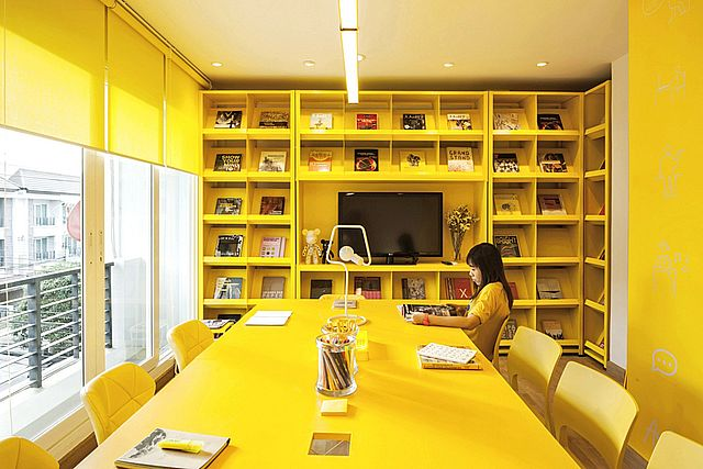 Yellow color in office