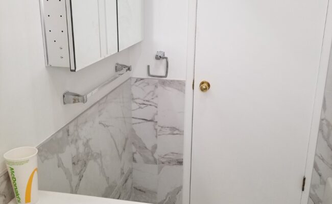 bathroom-at-burnaby-2