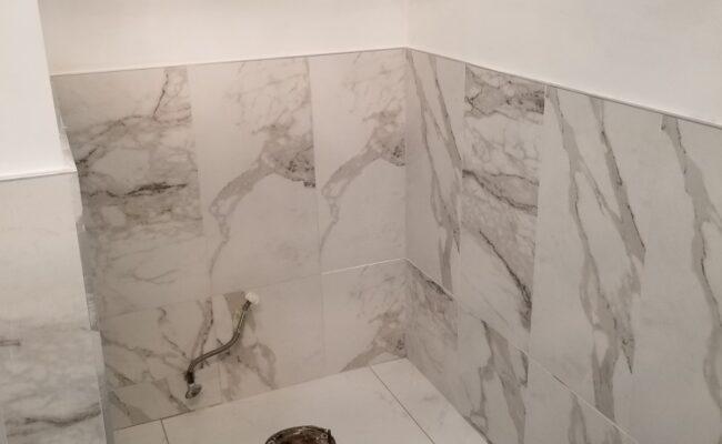 bathroom-at-burnaby-4